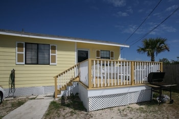Pee Retreat 3 Br Home By Redawning