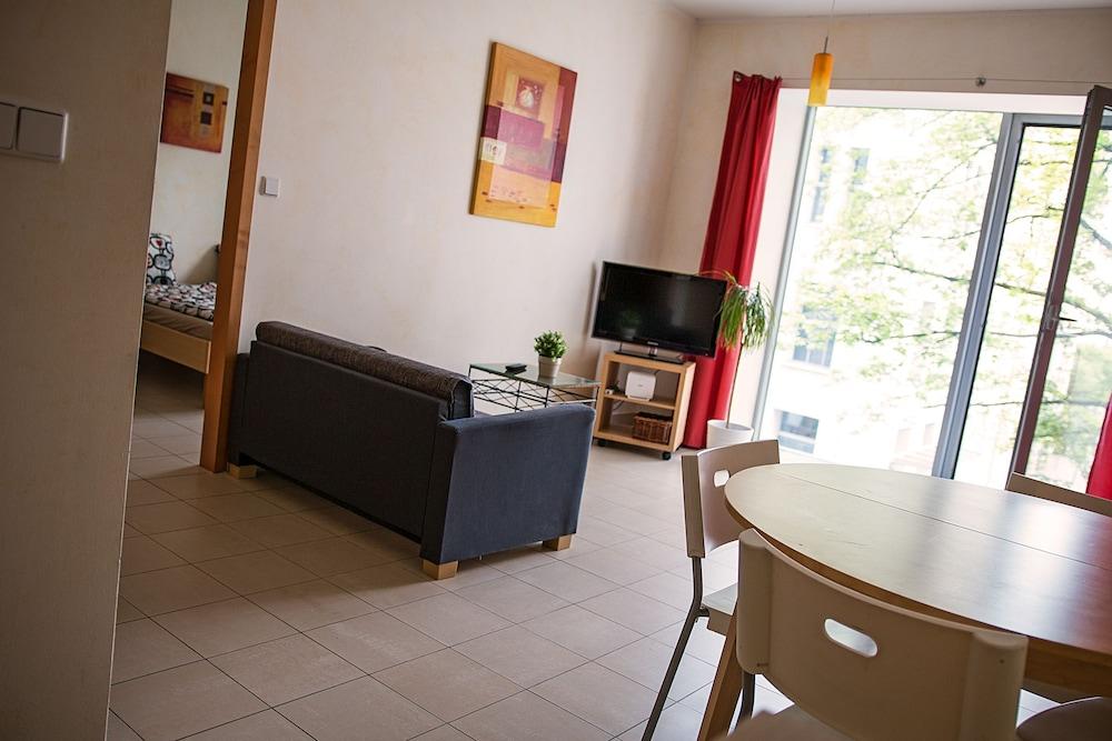 Modern & cozy apartment close to Center