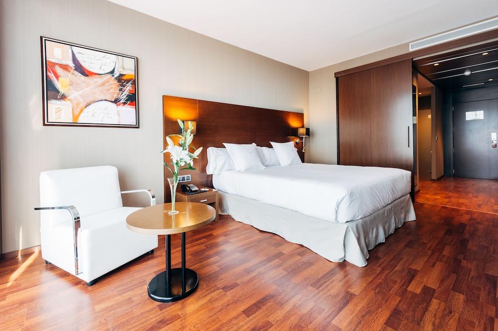 Hotel Valencia Congress + Entradas Oceanografic