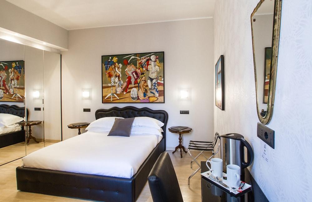 Aiello Rooms