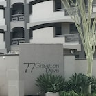 77 Grayston Apartment