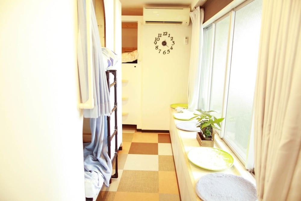 G'inns guest house - Hostel
