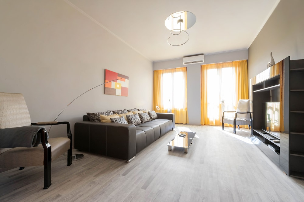 Play Apartments