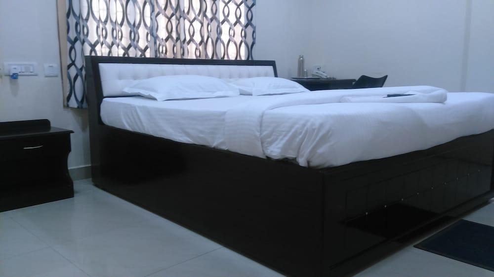 Khyathi Hotels