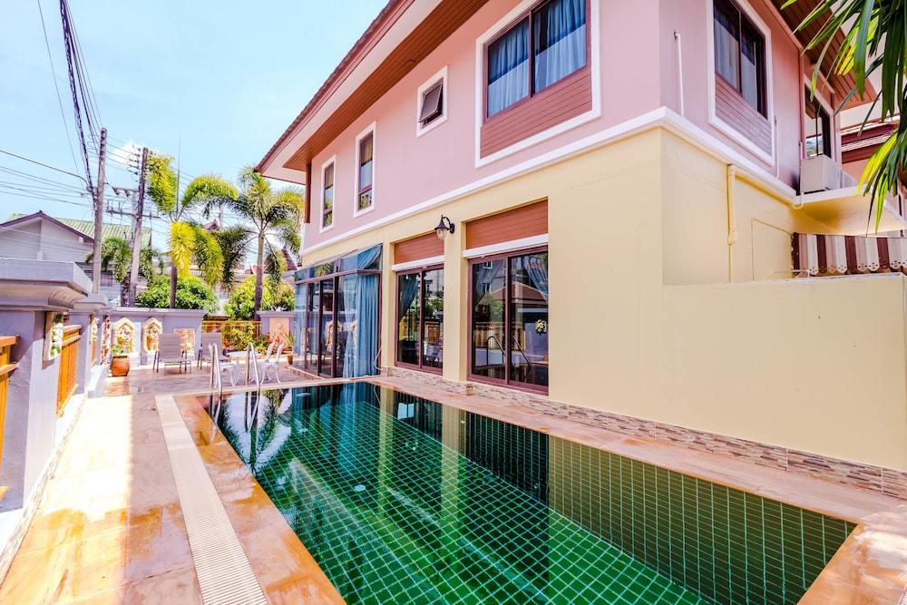3 Bedrooms Pool Villa Walk to Patong