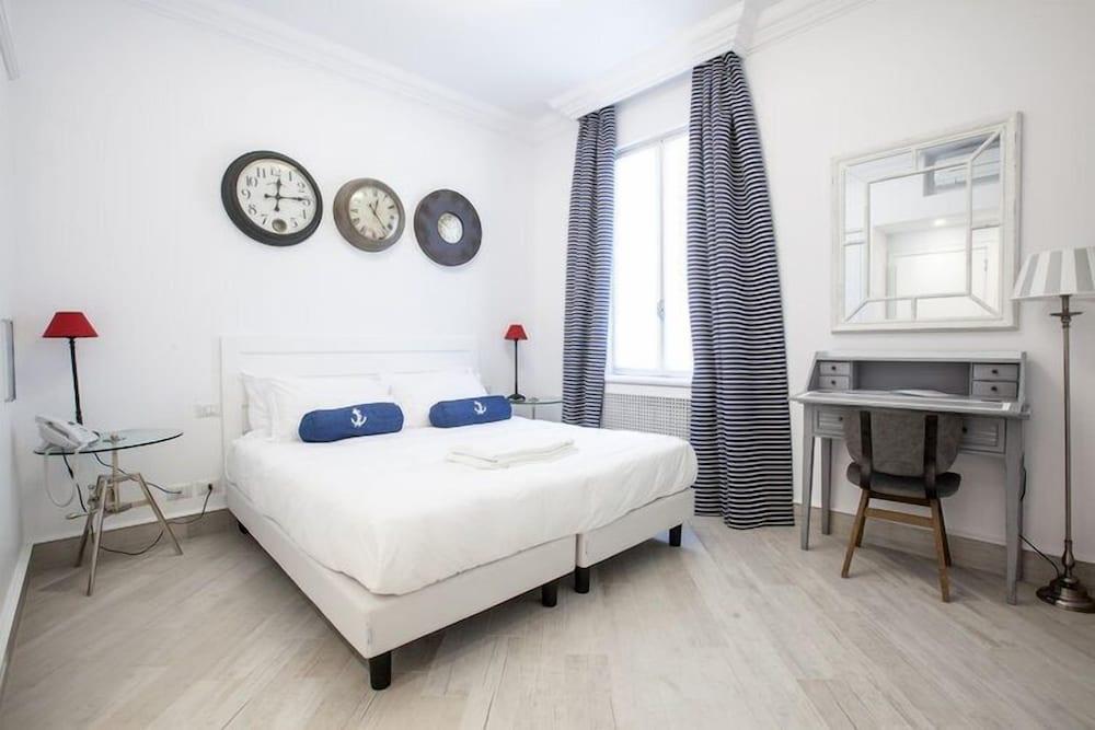 Marina Hotel Charming Rooms