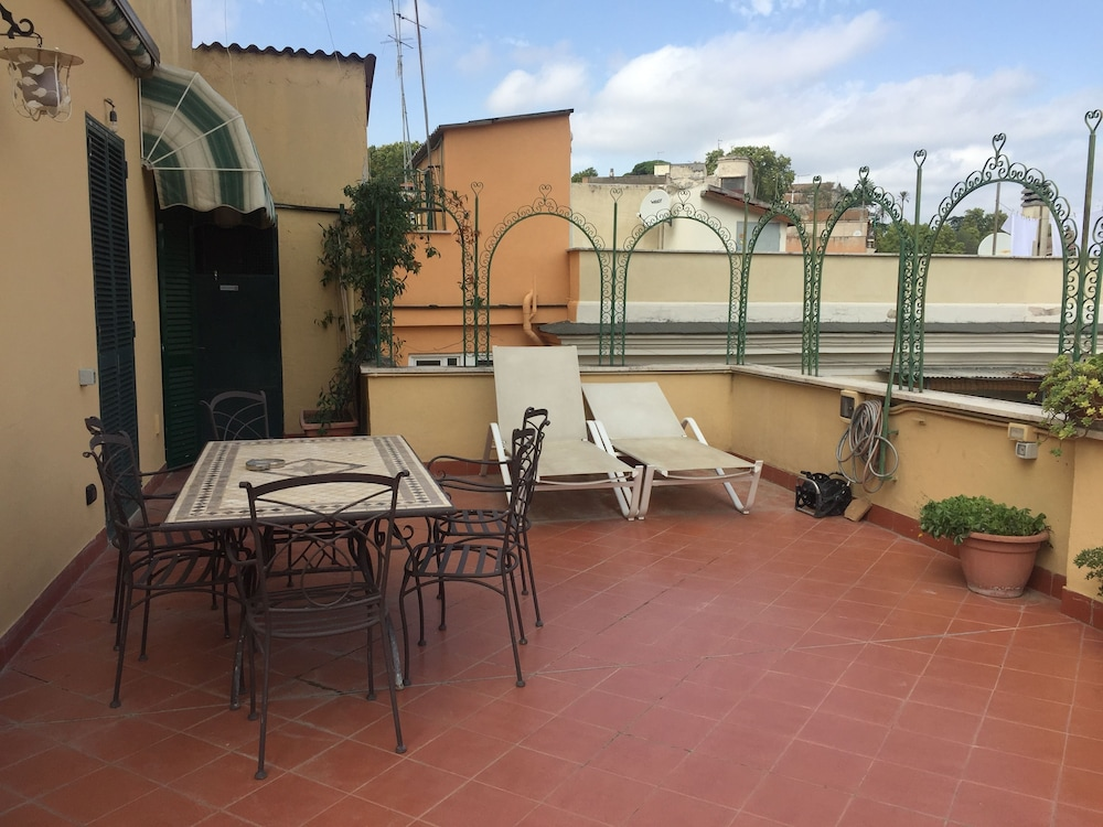 Terrazza Munira Rome 7 3 Price Address Reviews