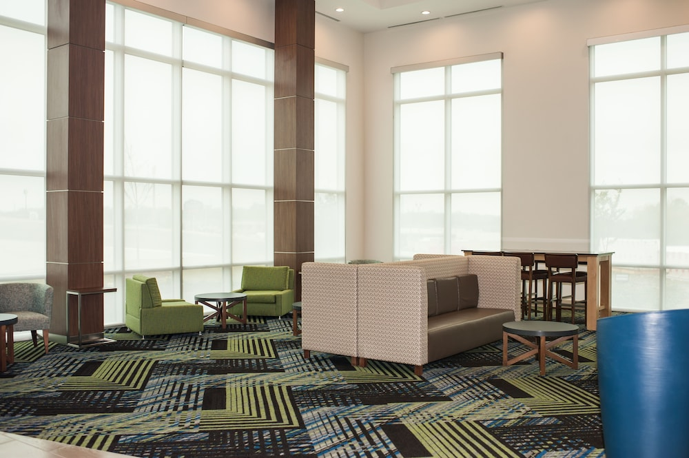 Holiday Inn Express And Suites- Birmingham North-Fultondale