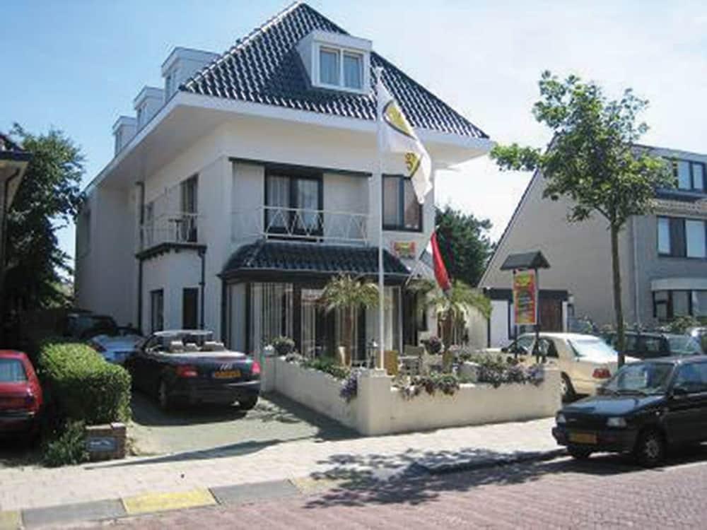 Pension Villa Tanahlot