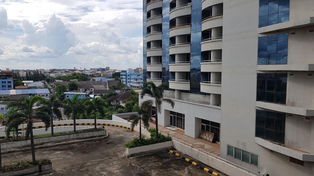 Aek Udon Apartment