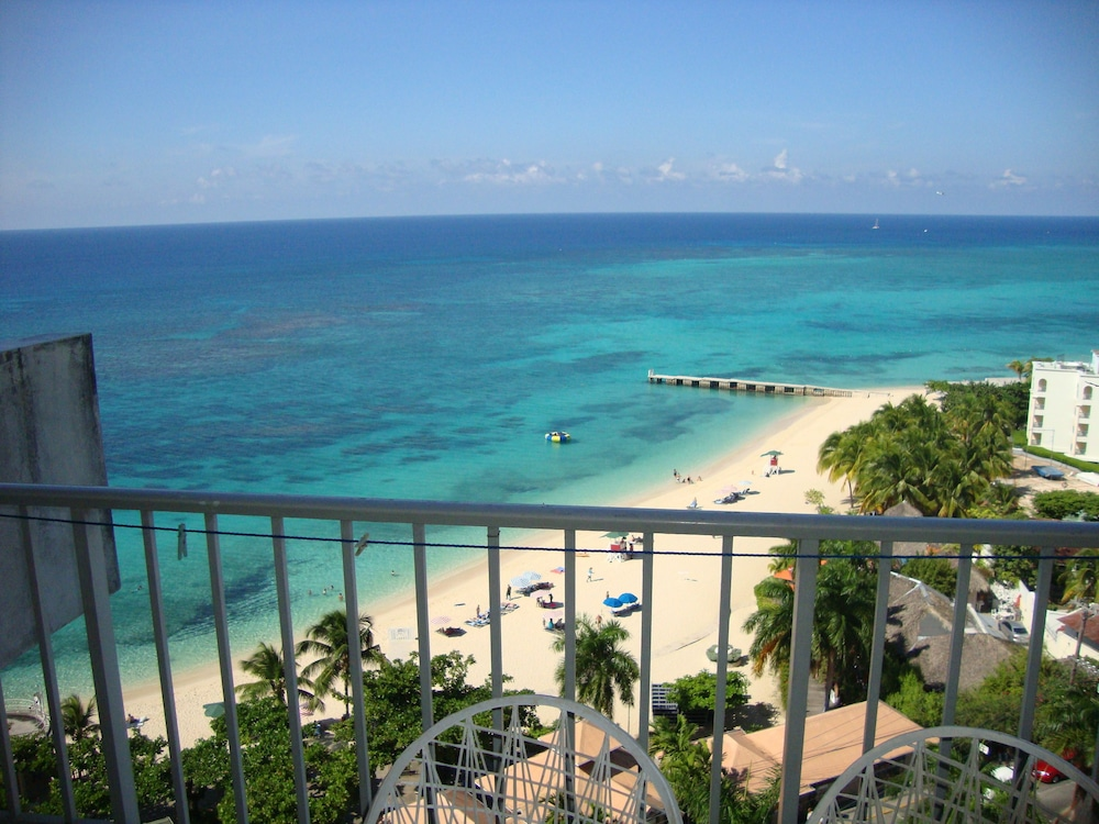 Montego Bay Club Beach Resort