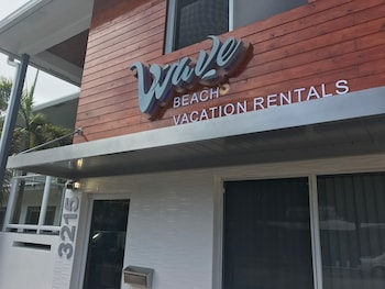 Wave Beach Vacation Rentals (635354112) photo