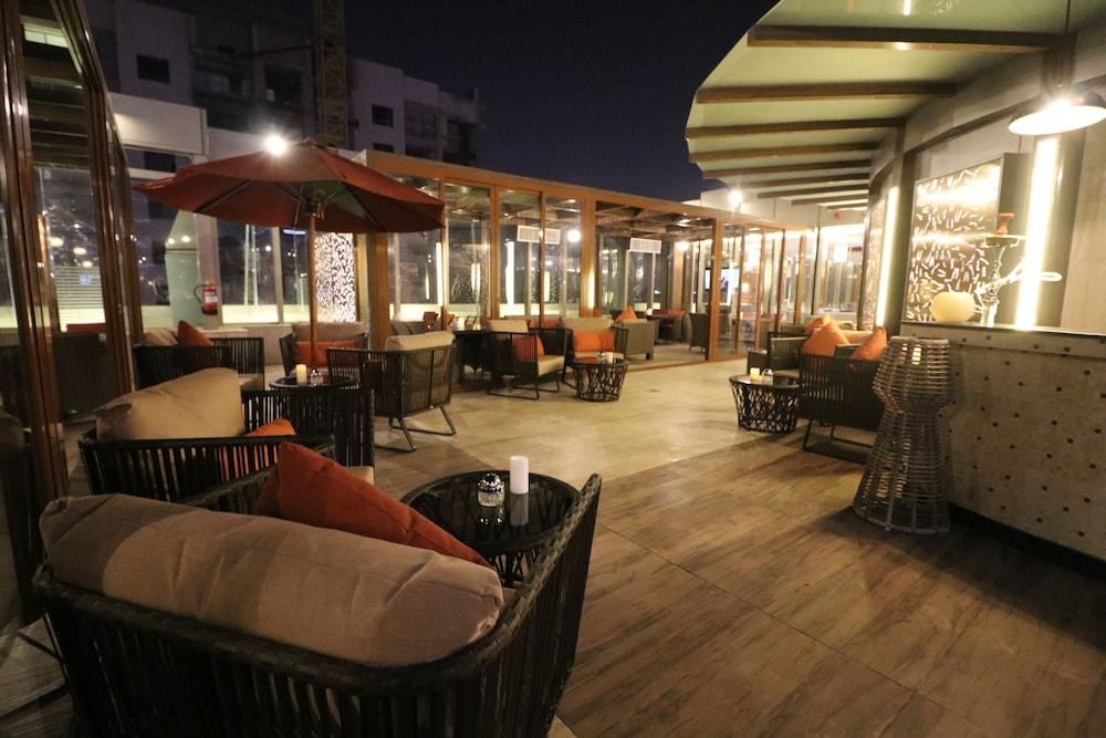 Frontel Jeddah Hotel Altahlia