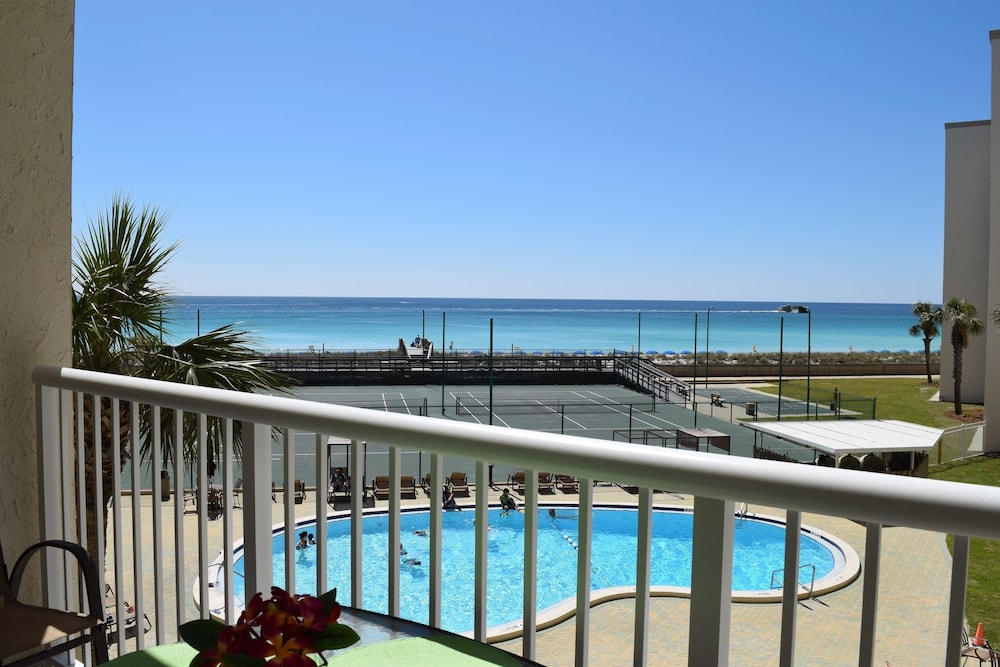 Gulf Shore Condo #314 - 2 Br condo by RedAwning