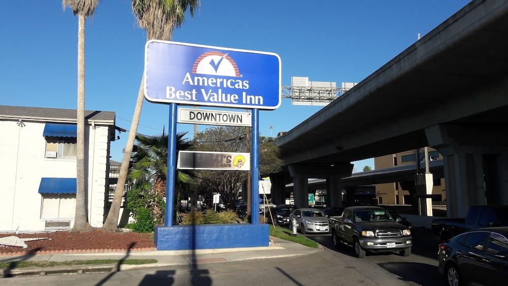 Americas Best Value Inn Riverwalk Downtown Market Square