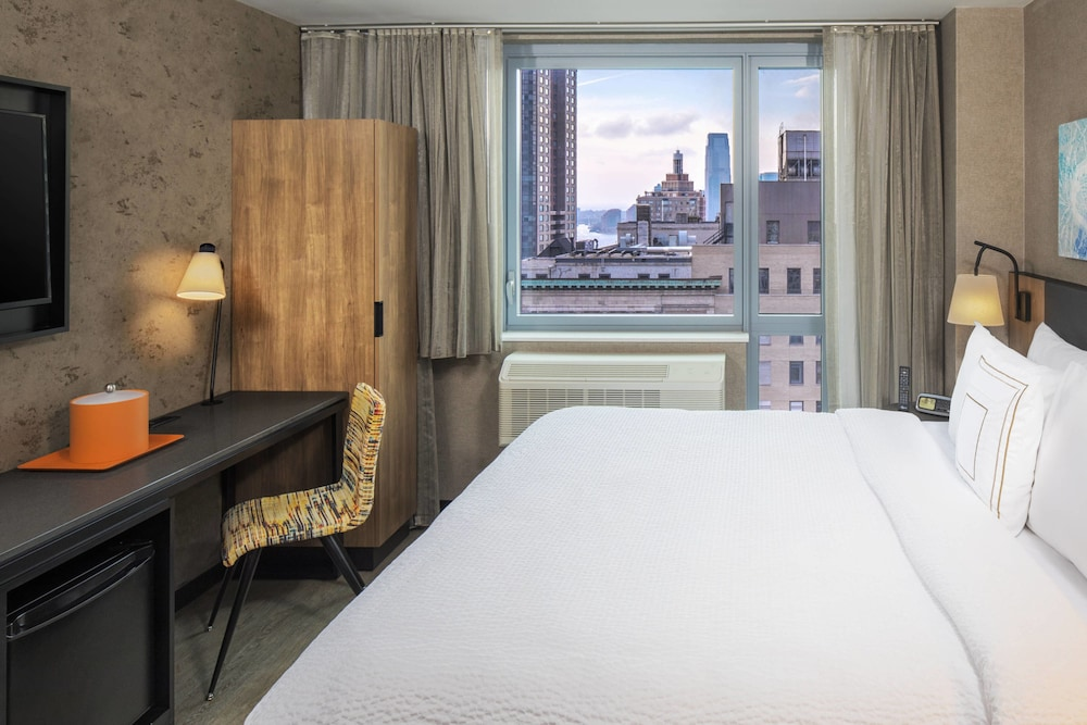 Fairfield Inn & Suites by Marriott/World Trade Center Area