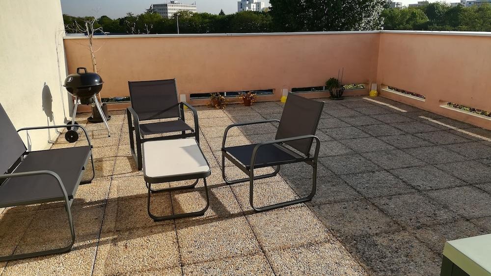 Appartement 2 pièces avec Grande Terrasse