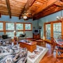 Tree House - 3 Br home by RedAwning photo 13/22