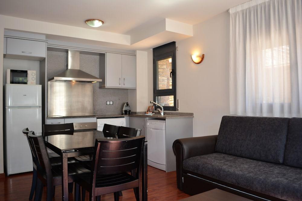 Peretol Apartments 1950M