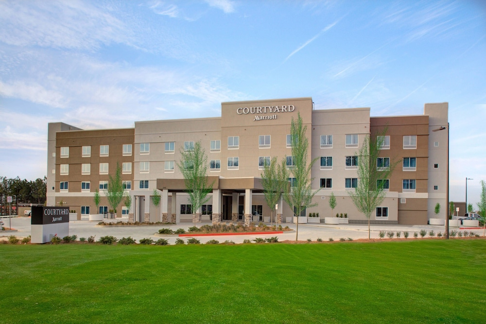 Courtyard by Marriott Atlanta Kennesaw