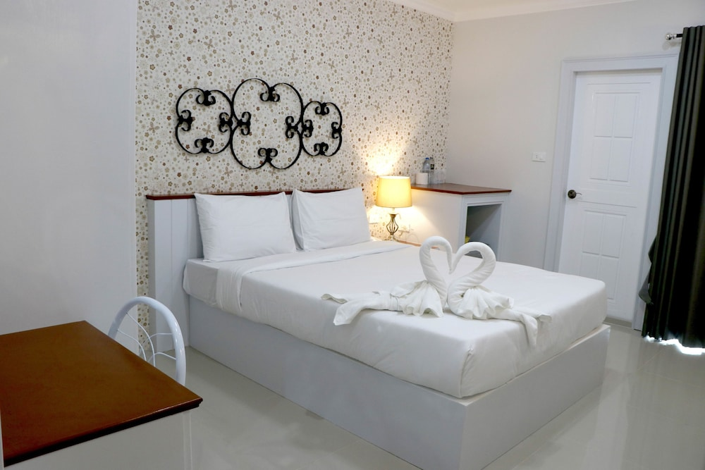 Ploys Pearl Hotel Surat Thani At Inr 383 Off 1915 Best