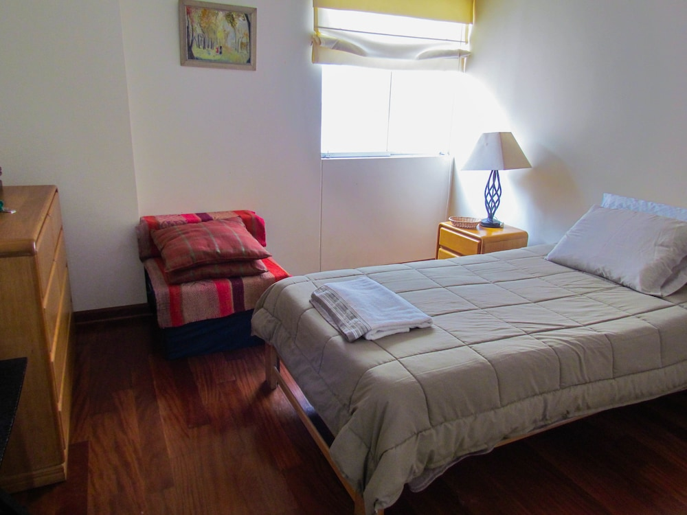 Private Bedroom in great Flat Miraflores
