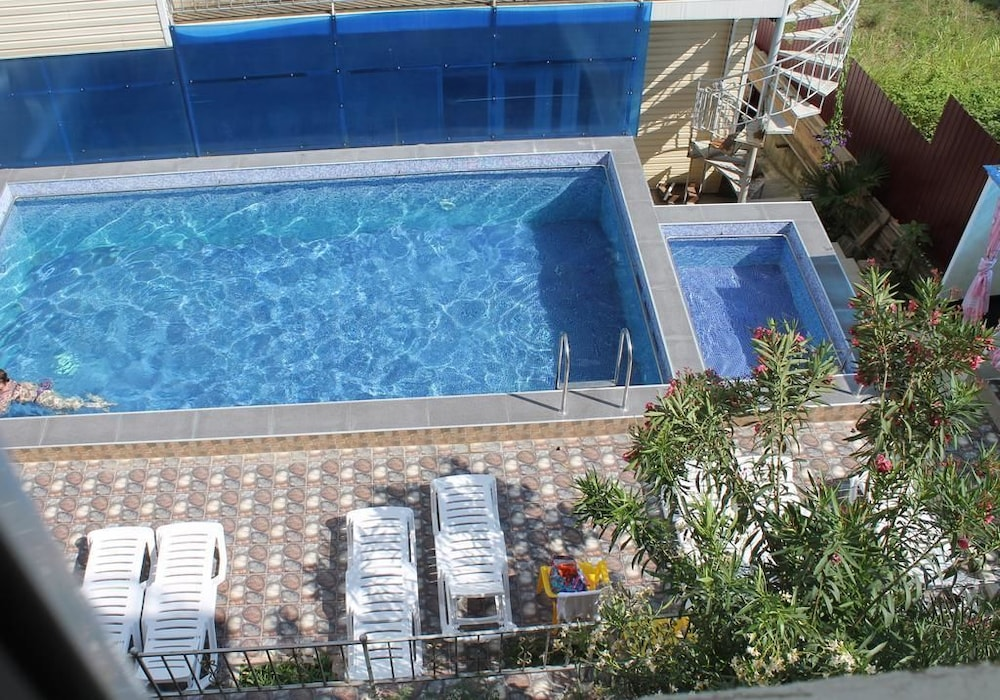 Dyadya Stepa Hotel