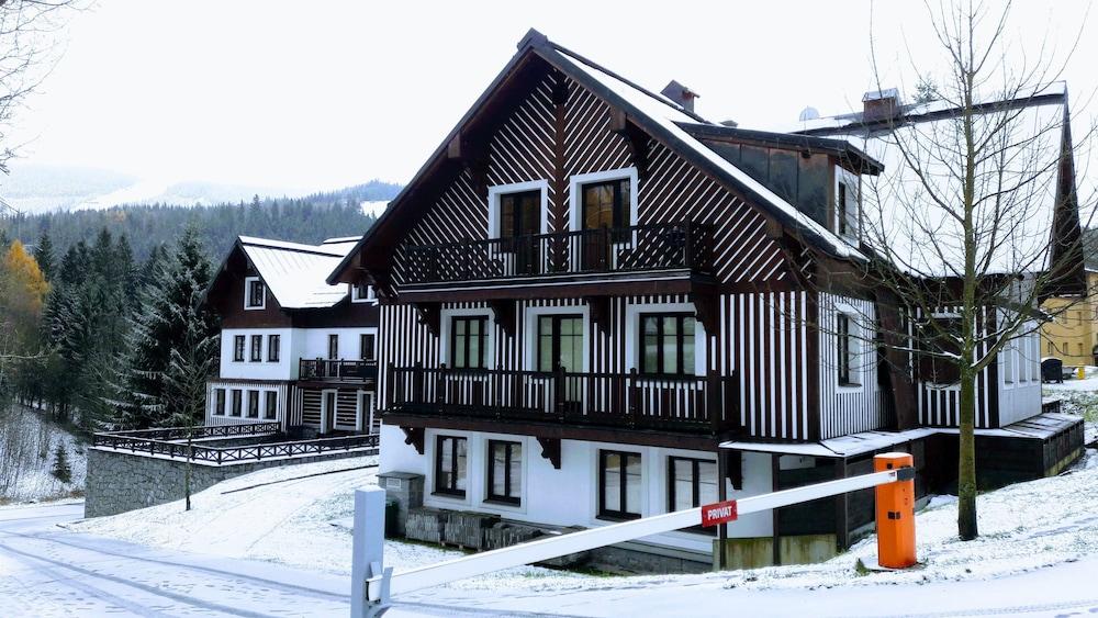 Apartmány Hradečanka