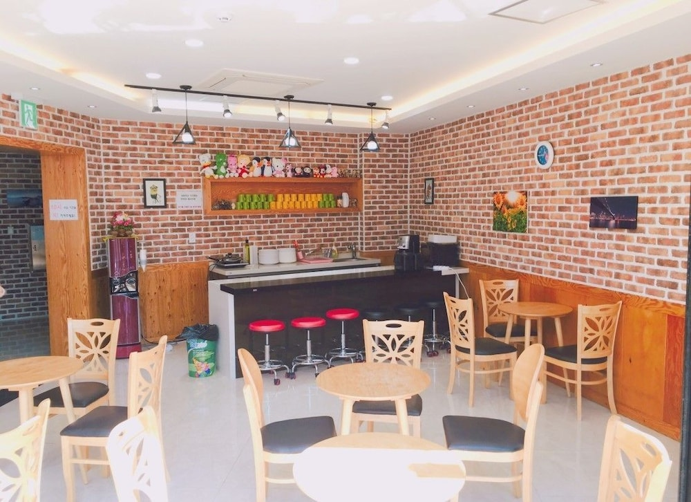 Yeosuro Guesthouse - Hostel