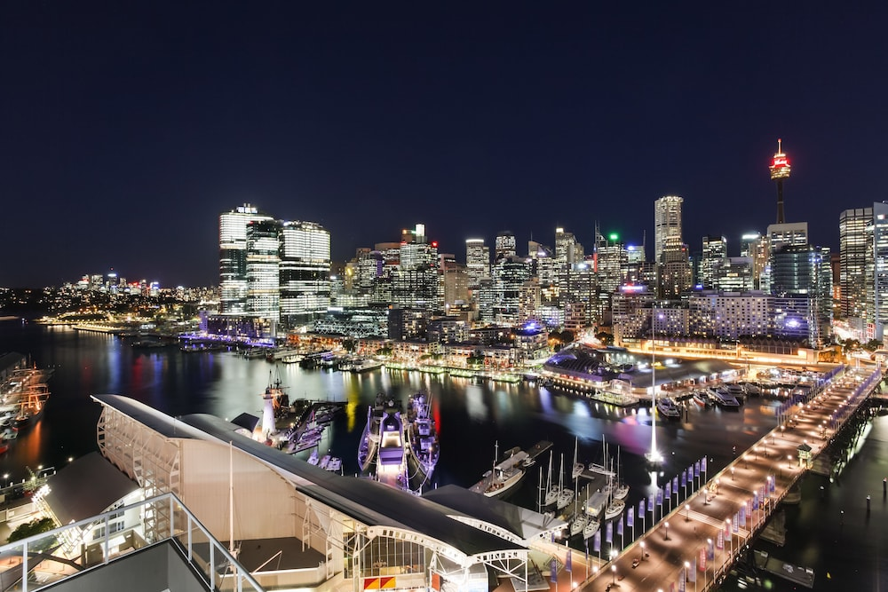 Darling Harbour Views