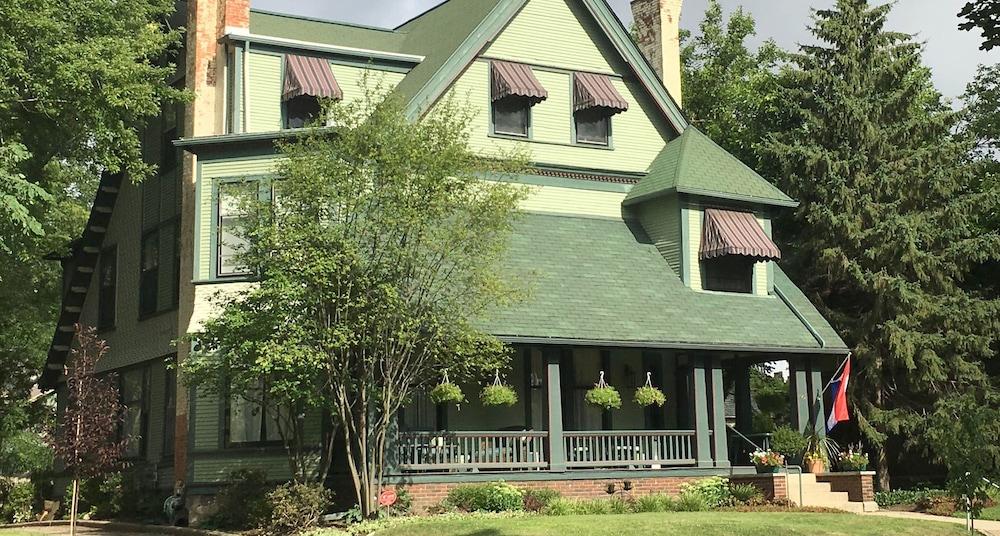 The Parsonage Inn LLC