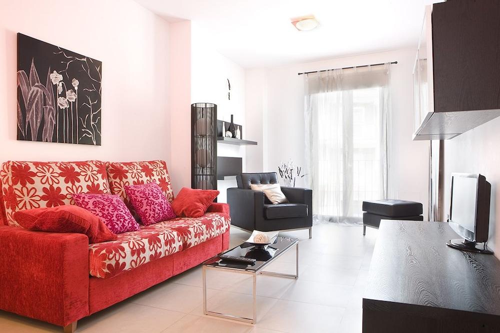Real de Cartuja Apartaments & Suites