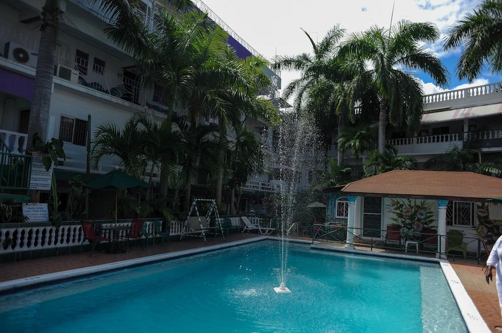 Gloriana Hotel