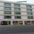 Dana Plaza 1