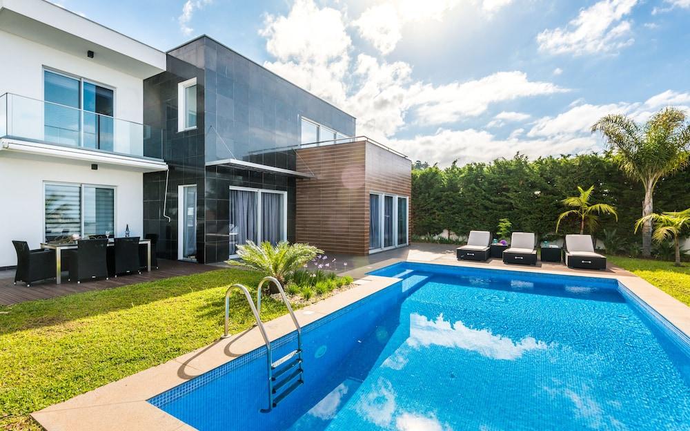 Villa Ravenala by MHM