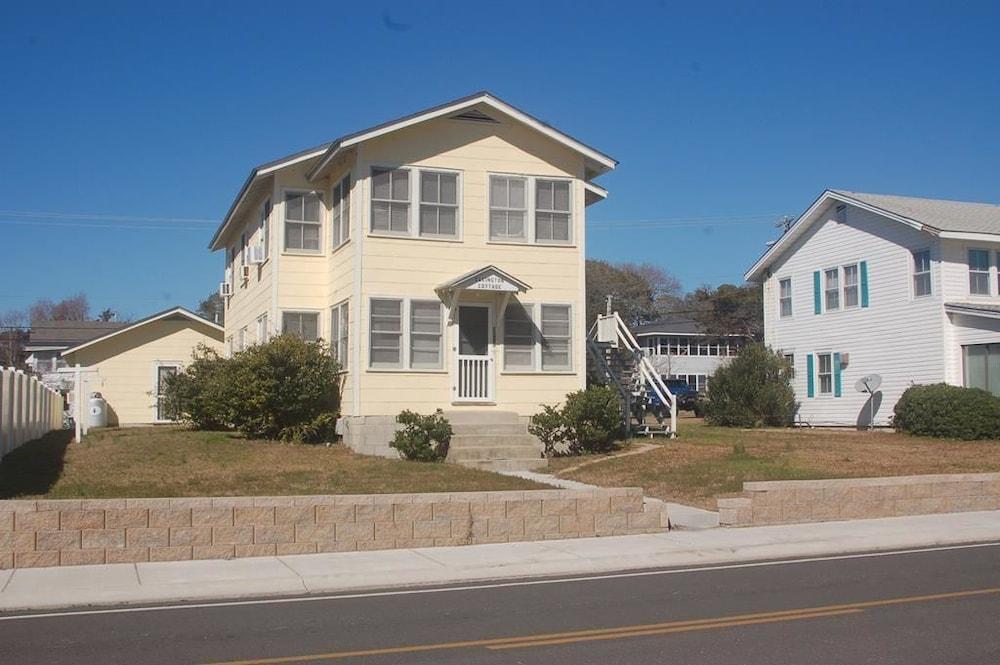 2035-3 Ellington House