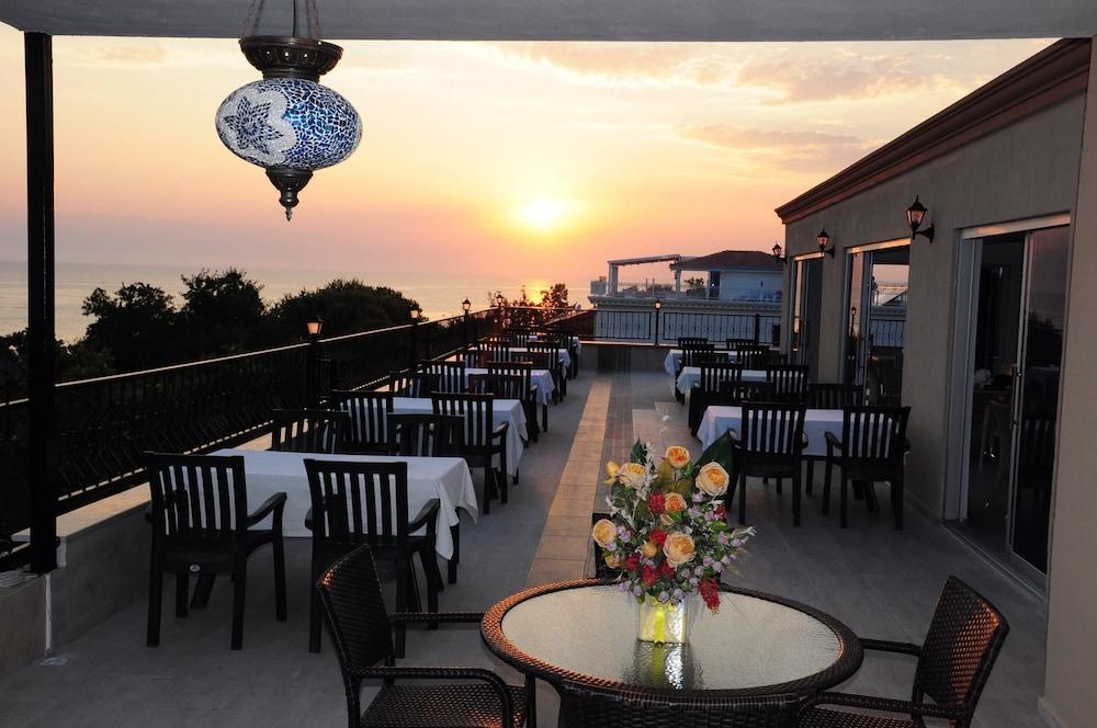 Beachway Hotel