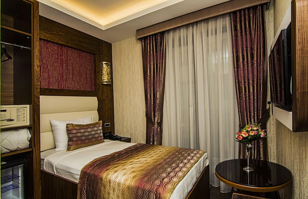 Vertu Hotel