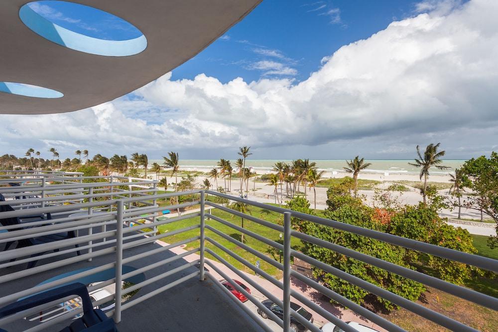 C Ocean Rentals at Strand Ocean Drive