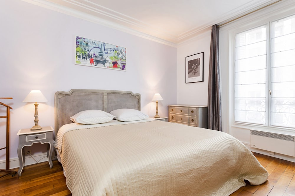Le Bon Marche - Sevres Private Apartment