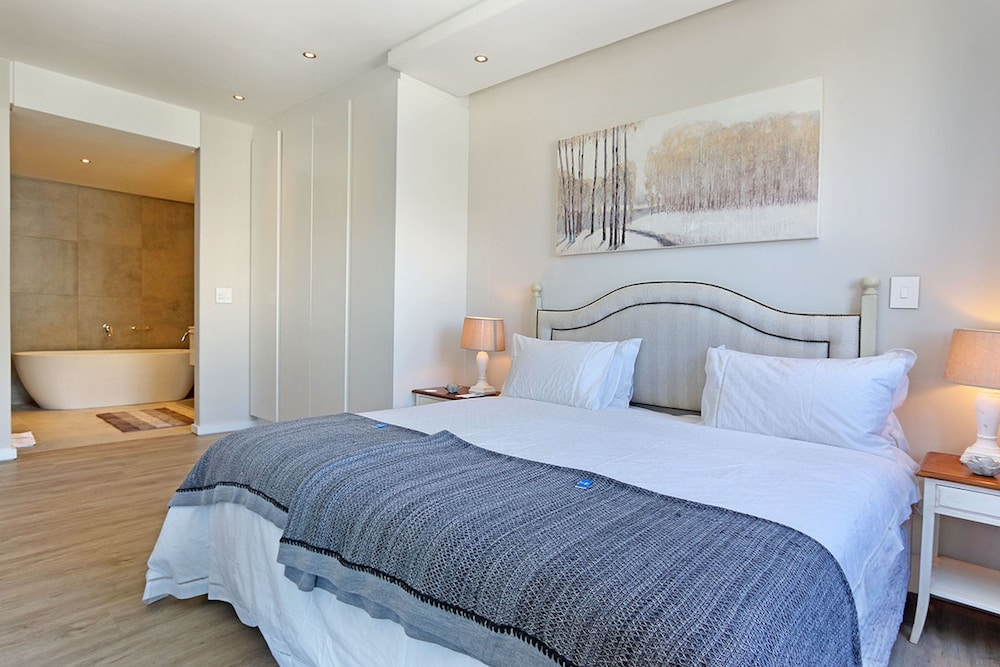 Chelsea Luxury Suites by Totalstay