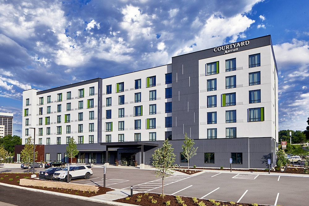 Courtyard by Marriott Minneapolis West