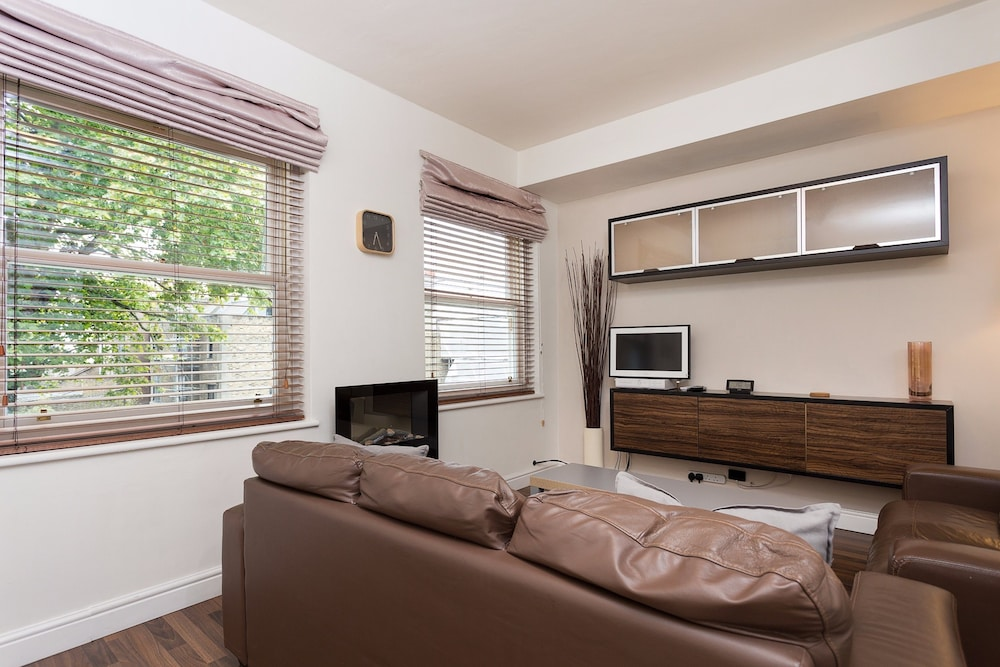 Bright & Spacious Studio in Notting Hill Gate