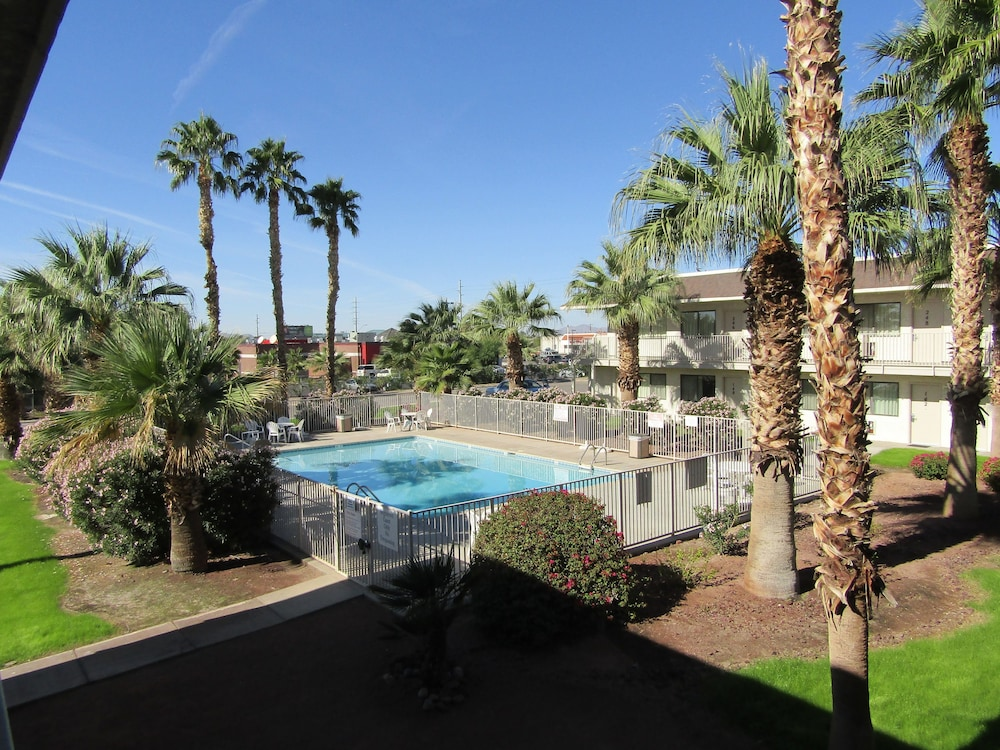 Budgetel Inn & Suites Yuma