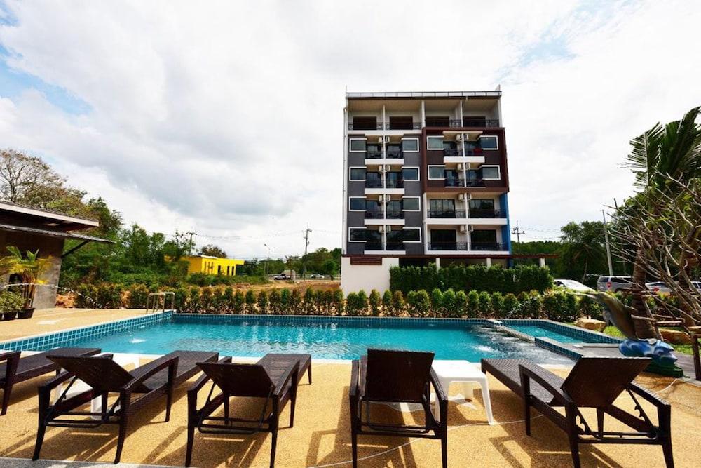 River Front Krabi Hotel