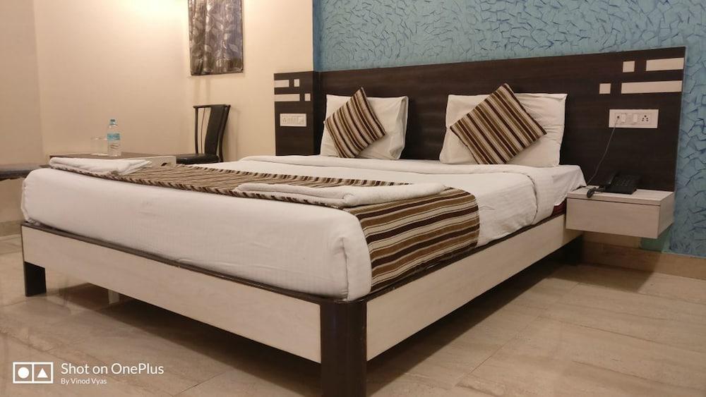 Seven Hills by Bizzgrow Hotels, Lonavala