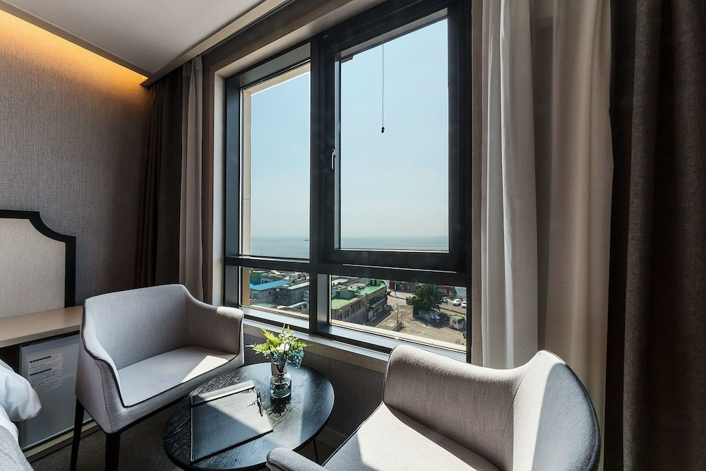 Hotel Full Moon
