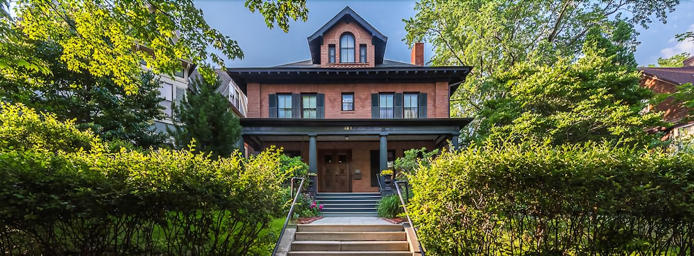 Historic District Bed and Breakfast