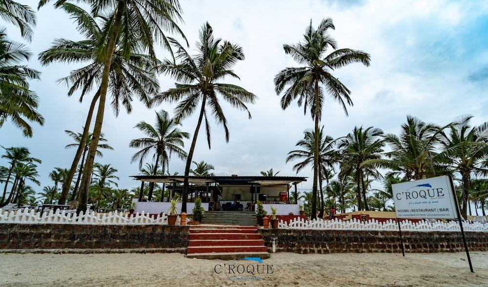 C'Roque Beach Resort