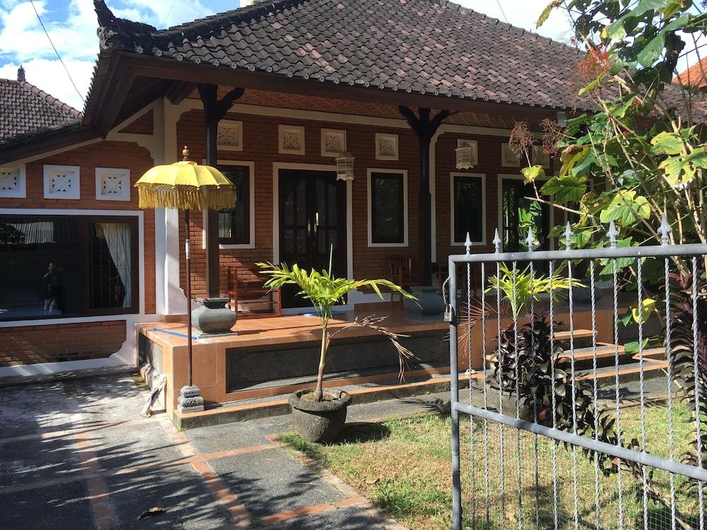 Ayung house